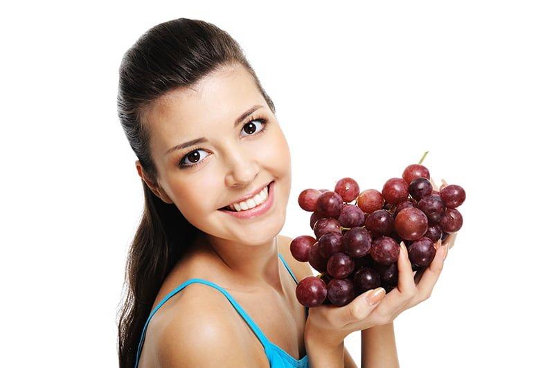 Vino Lift-Kobieta z winogronem